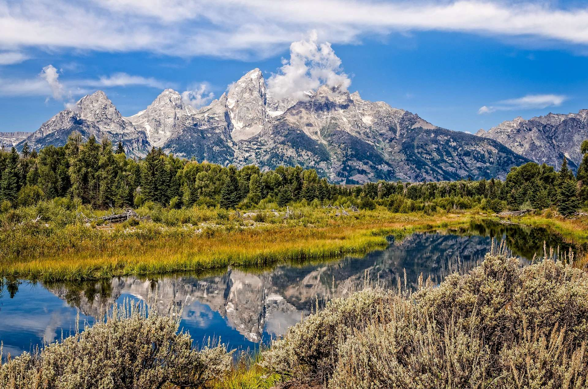 Klare Seen, blaue Berge: Teton National Park