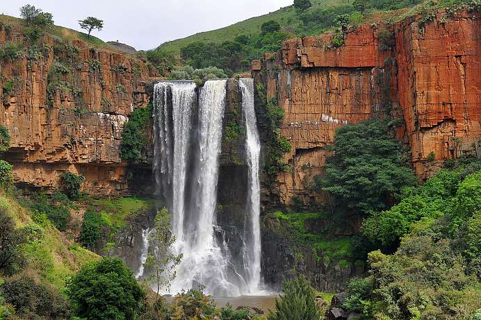 75 Meter hohe Wasserfälle: Waterval Boven