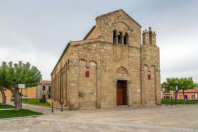 Romanesque and plain: San Simplicio
