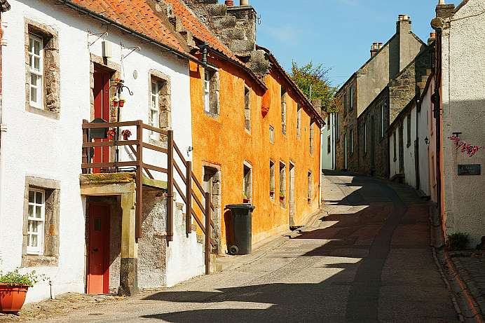 Picture-perfect little houses in Culross