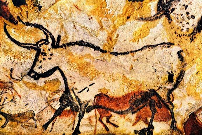 Paleolithic paintings: Cave of Lascaux