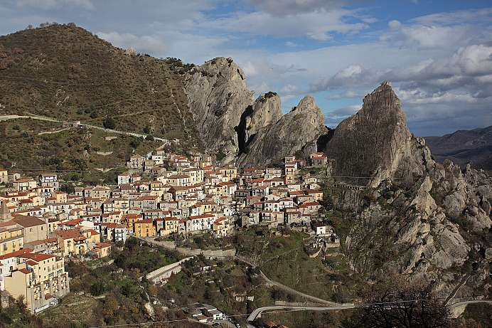 Clinging to the rock: Castelmezzano