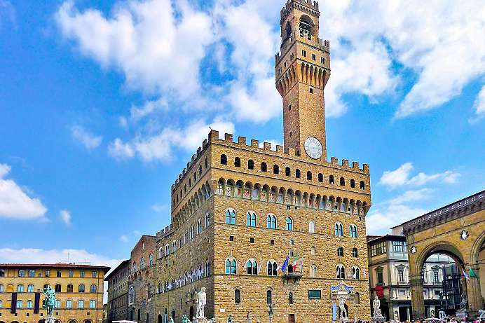 The seat of government of the Medici: Palazzo Vecchio