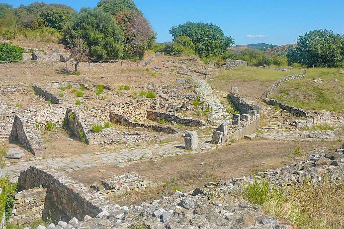 Etruscan town: Archaeological Park Roselle