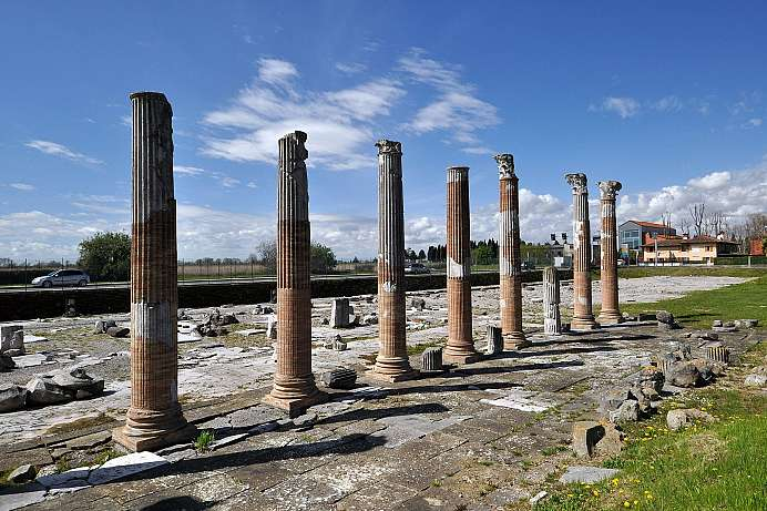 Metropolis in the Roman Empire: Aquileia