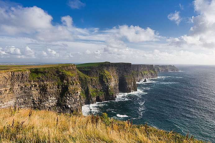 Spectacular coastline: Cliffs of Moher