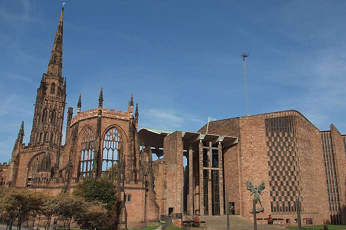 Destroyed by German bombs: Coventry Cathedral
