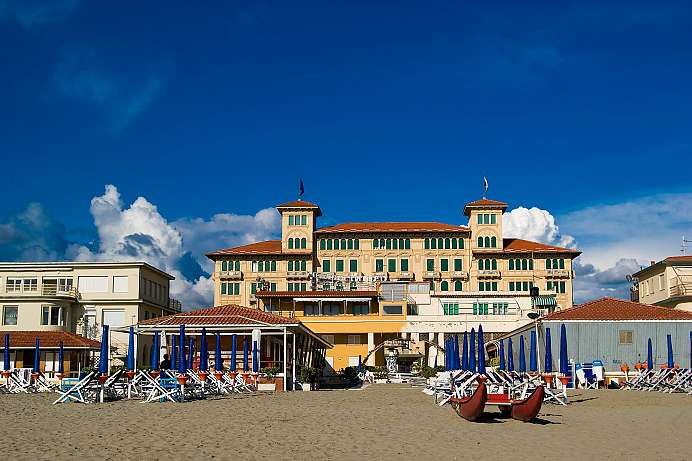 Toskana historische stadtrepubliken in bezaubernder - Bagno caterina viareggio ...