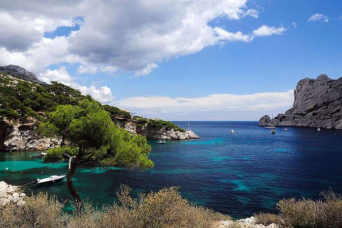 Sloping cliffs, stunning views: Calanques
