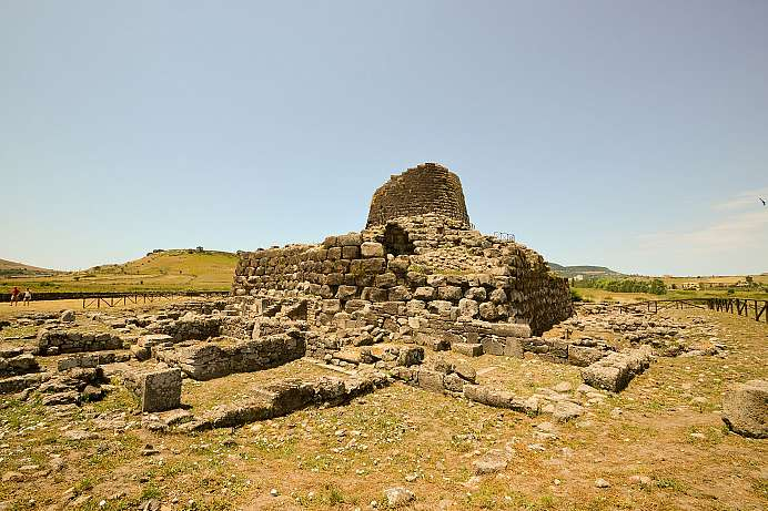 Royal Palace from the Bronze Age: Nuraghe Santu Antine