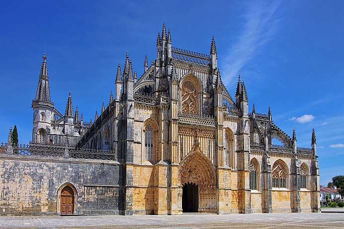 Highlight of Portuguese Gothic: Mosteiro da Batalha