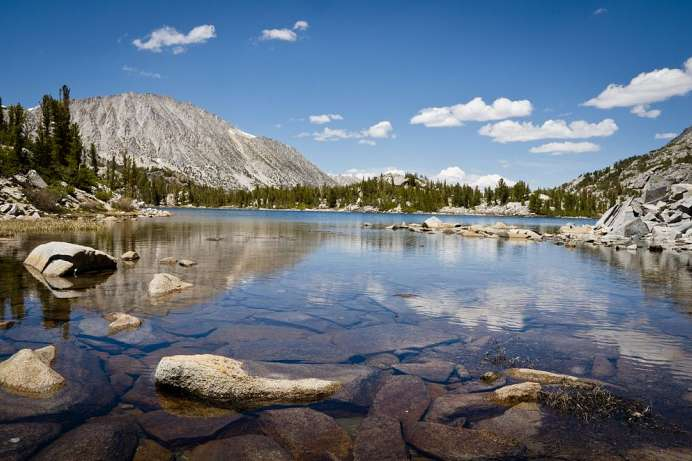 Bei Mammoth Lakes: Little Lakes Trail