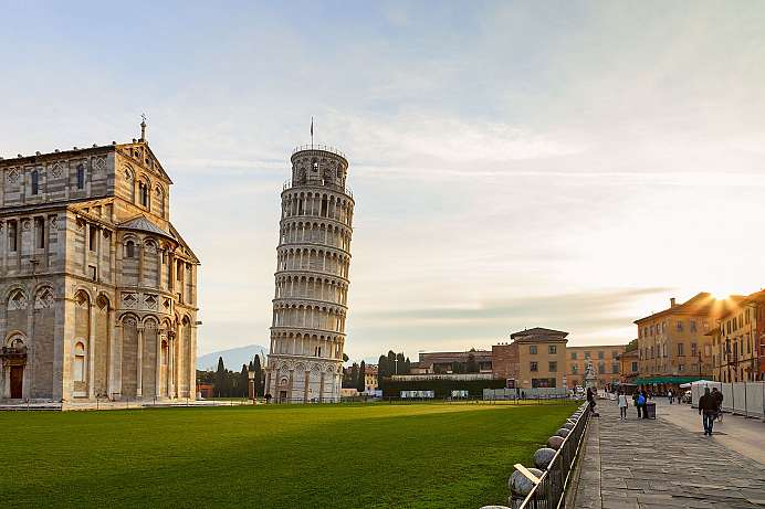 Main attraction of Pisa: Torre Pendente