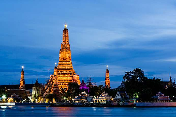 Wat Arun: Temple of Dawn