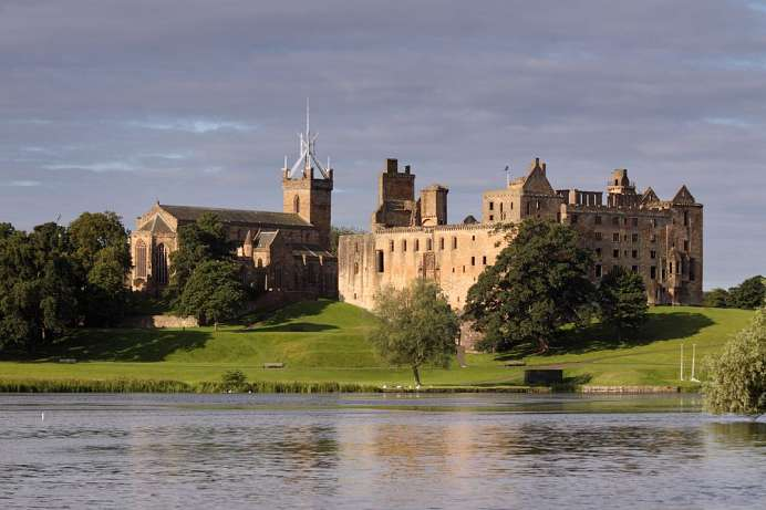 Birthplace of Mary Stuart: Linlithgow Palace