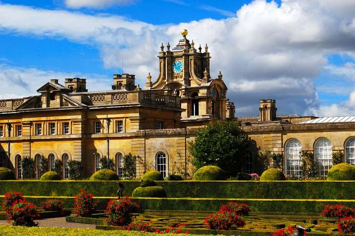 Palace where Winston Churchill was born: Blenheim Palace