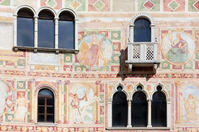 Ornate frescoes on the castle: Spilimbergo