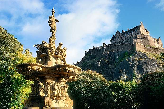 Crowning the city: Edinburgh Castle