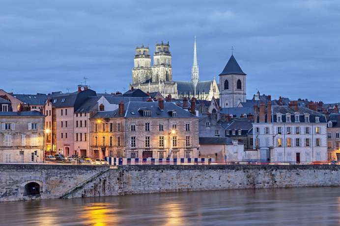 Northernmost point of the Loire: Orléans with its cathedral