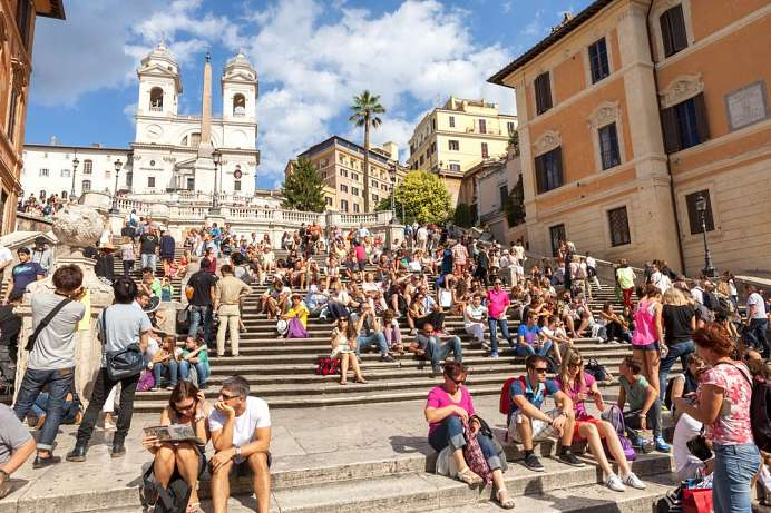 Strolling through Rome: The Spanish Steps