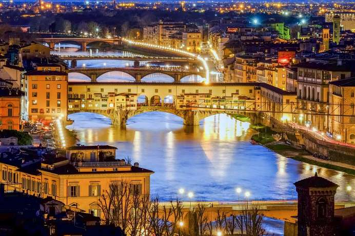 Stroll through Florence: Ponte Vecchio