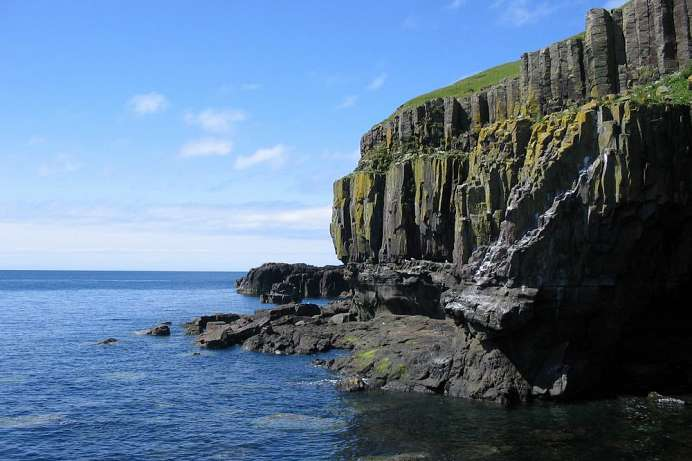 Coastal cliffs near Carsaig