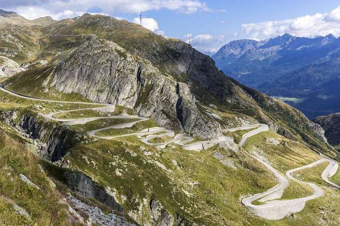 Historic road to the Gotthard Pass: Tremolastraße