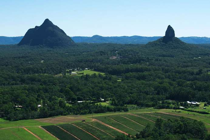 Erloschene Vulkane: Glass House Mountains