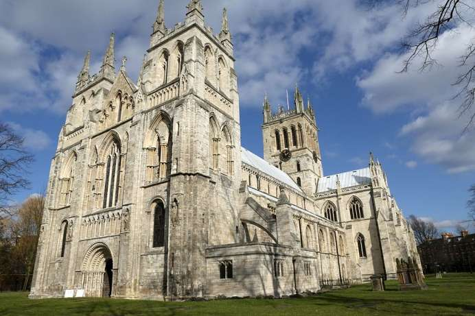 The splendor of the English Middle Ages: Selby Abbey