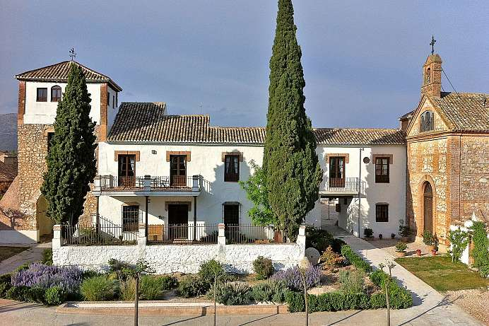 Andalusian beauty: Estate near Granada
