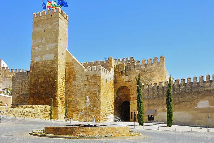 On Roman foundations: Moorish city gate of Carmona
