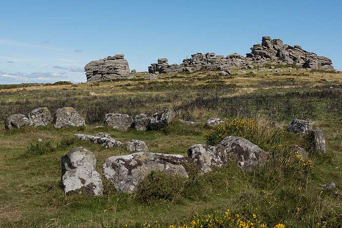 Dartmoor: Hound Tor Ring Cairn (Stone Circle)