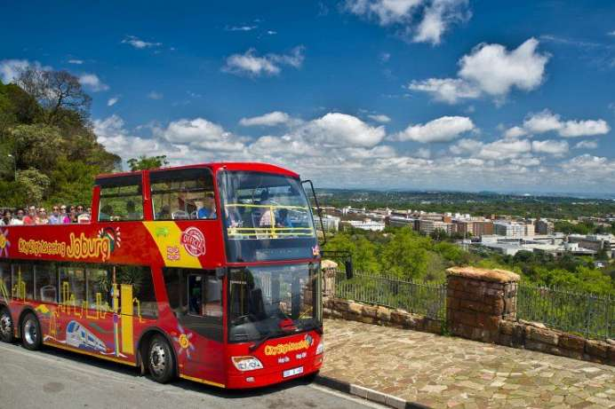 Mit dem Hop-on-hop-off-Bus durch Johannesburg: Green Tour