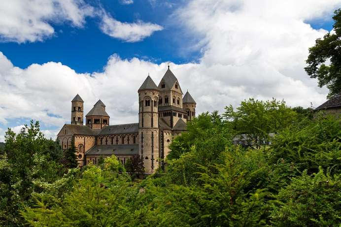A masterpiece of Romanesque architecture: Maria Laach Abbey