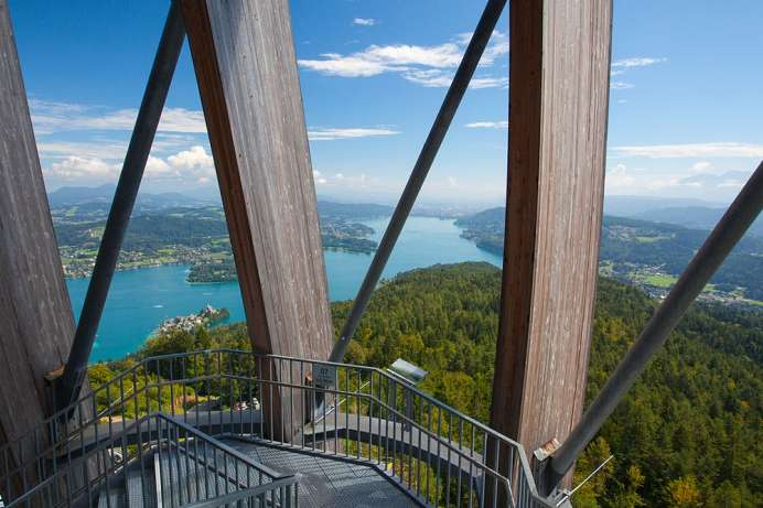 Fantastic view: Observation tower on the Pyramidenkogel