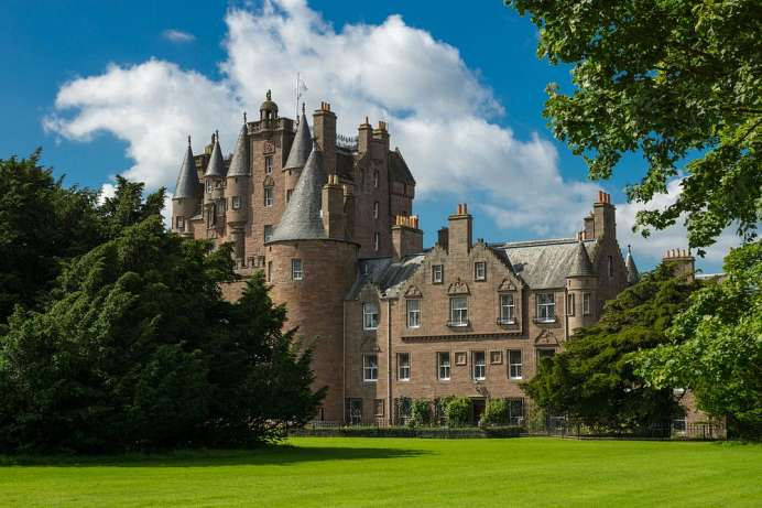 Fabled haunted castle: Glamis Castle