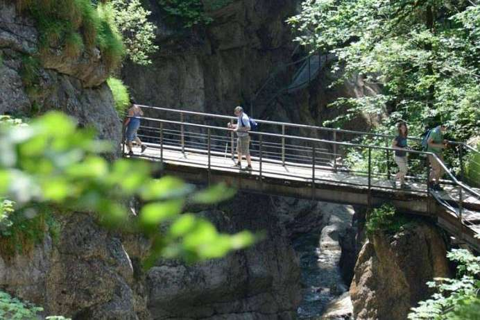 On footbridges into the wild gorge: Starzlachklamm