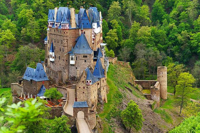 Prototype of a German castle: Burg Eltz