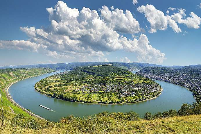 View of the Rhine loop from Gedeonseck
