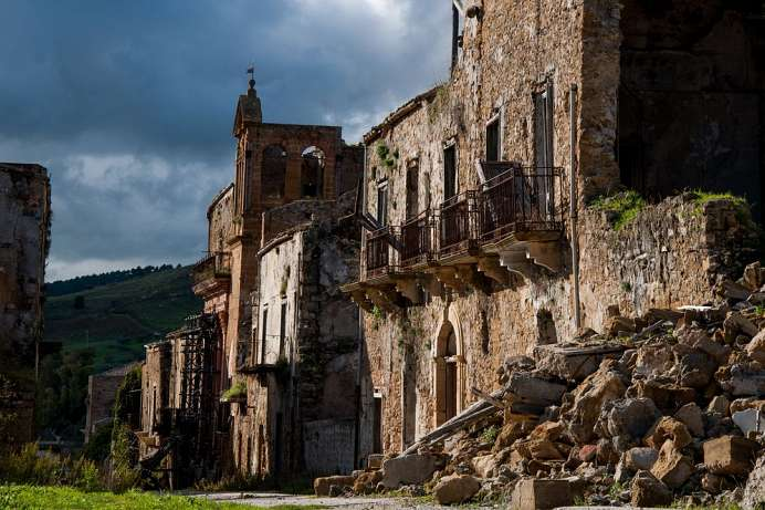 One of 1500 ghost villages in Italy: Poggioreale