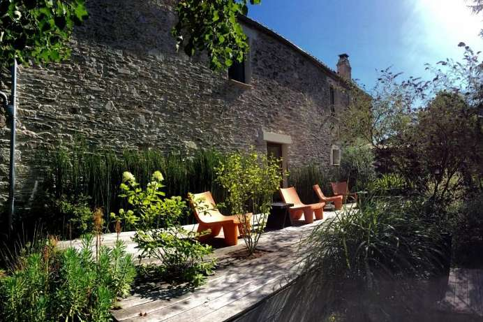 Nice contrasts: country house in the Muscadet wine region