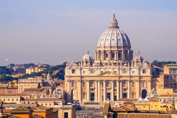 Offers space for 60,000 people: St. Peter's Basilica in Rome