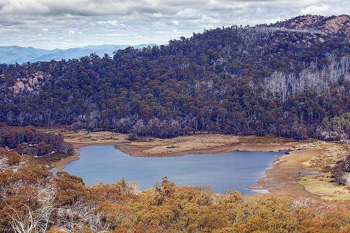 Der Lake Catani im Mt Buffalo National Park