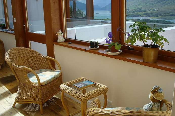 Overlooking Loch Broom: B&B on Braes Hill