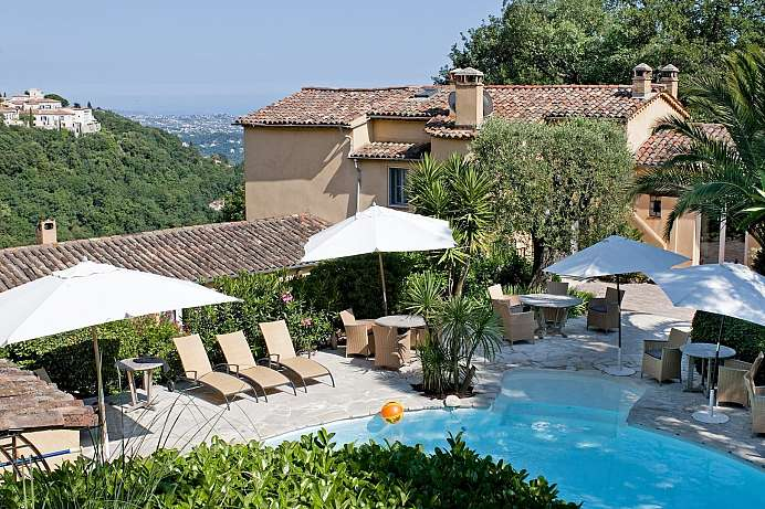 Sea and mountain views: A villa above Vence