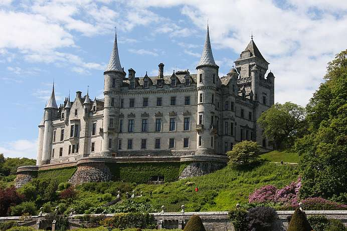 A large park by the sea: Dunrobin Castle
