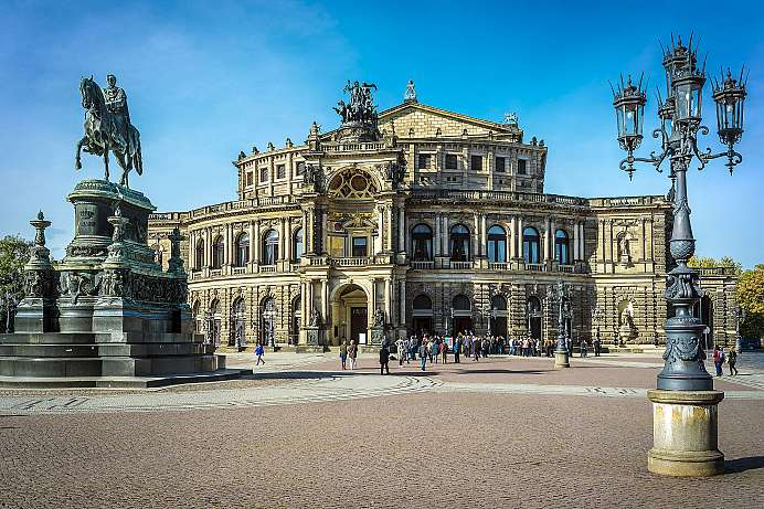 Baroque city on the Elbe River: Dresden