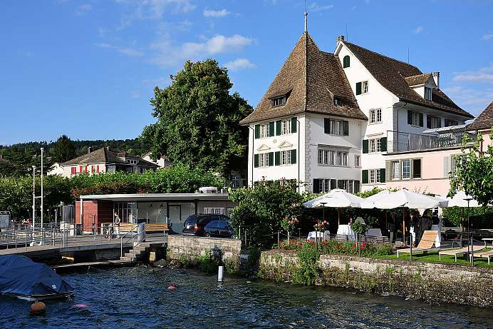 Over 350 years of tradition: A lakeside hotel in Küsnacht