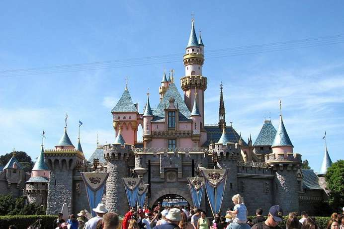 Sleeping Beauty Castle: Disney's Dornröschenschloss