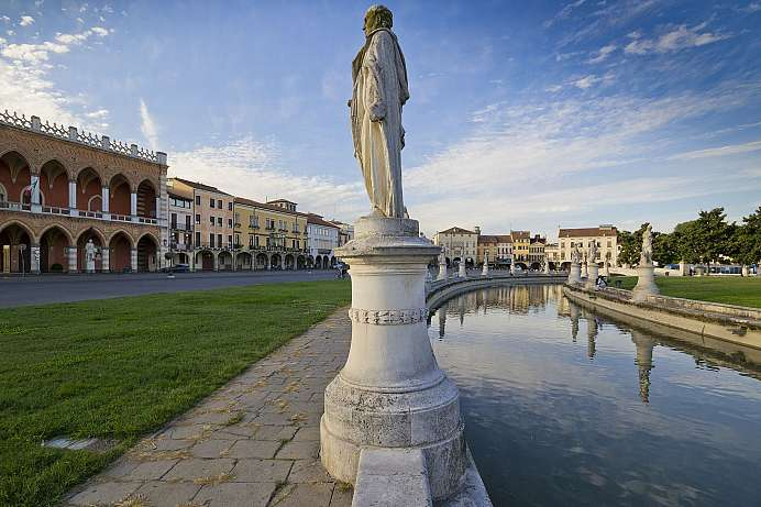Surrounded by water: market square of Padua